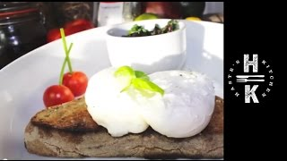 how to make perfect poached eggs with tomato spinach mushrooms