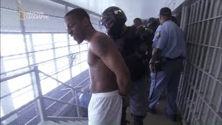 Więźniowie podpalili materace i zaczęli się buntować! [Za kratkami]