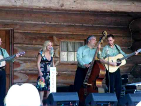 Rhonda Vincent and The Rage- Darrington Bluegrass Festival 3