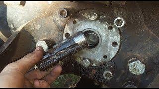 Fail, wymiana ukręconego wałka odbioru mocy na Waryński w Ursusie C360 4x4 turbo, cz.1.