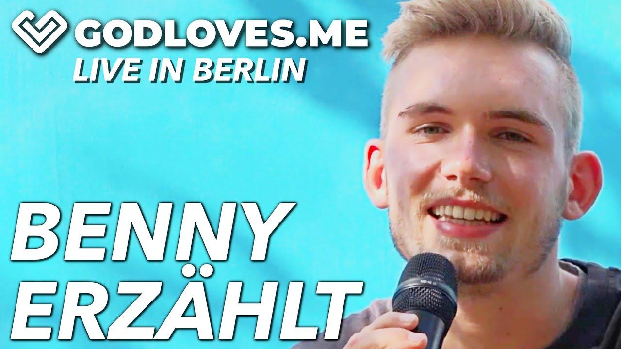 BENNY ERZÄHLT AUS SEINEM LEBEN   God Loves Me   Live in Berlin