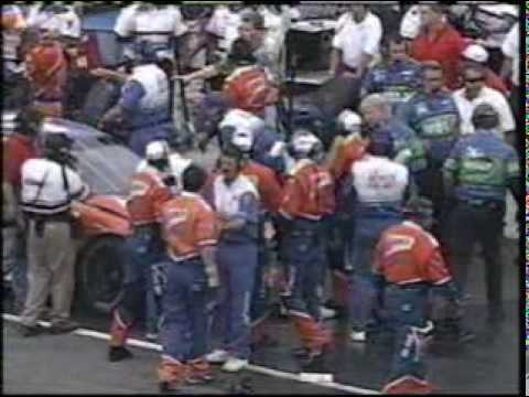 1998 NASCAR South Boston - Jeff Purvis and his pit crew fights Mark Green pit crew