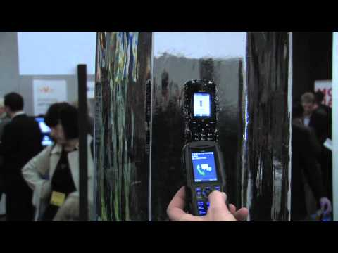 Sonim XP3300 Force - Demonstration auf dem Mobile World Congress 2011