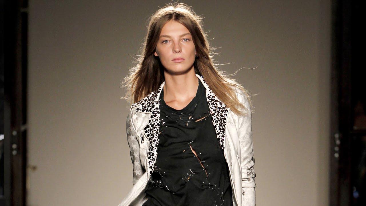 Balmain Spring/Summer 2011 Womenswear Show