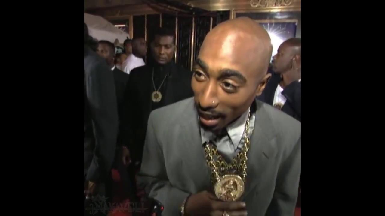 Uluitor! Tupac nu a MURIT! Trăiește în CUBA și se distrează cu Rihanna!