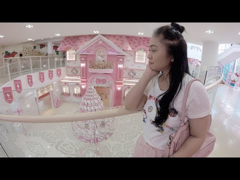 come and tour with me at Hello kitty museum Jeju