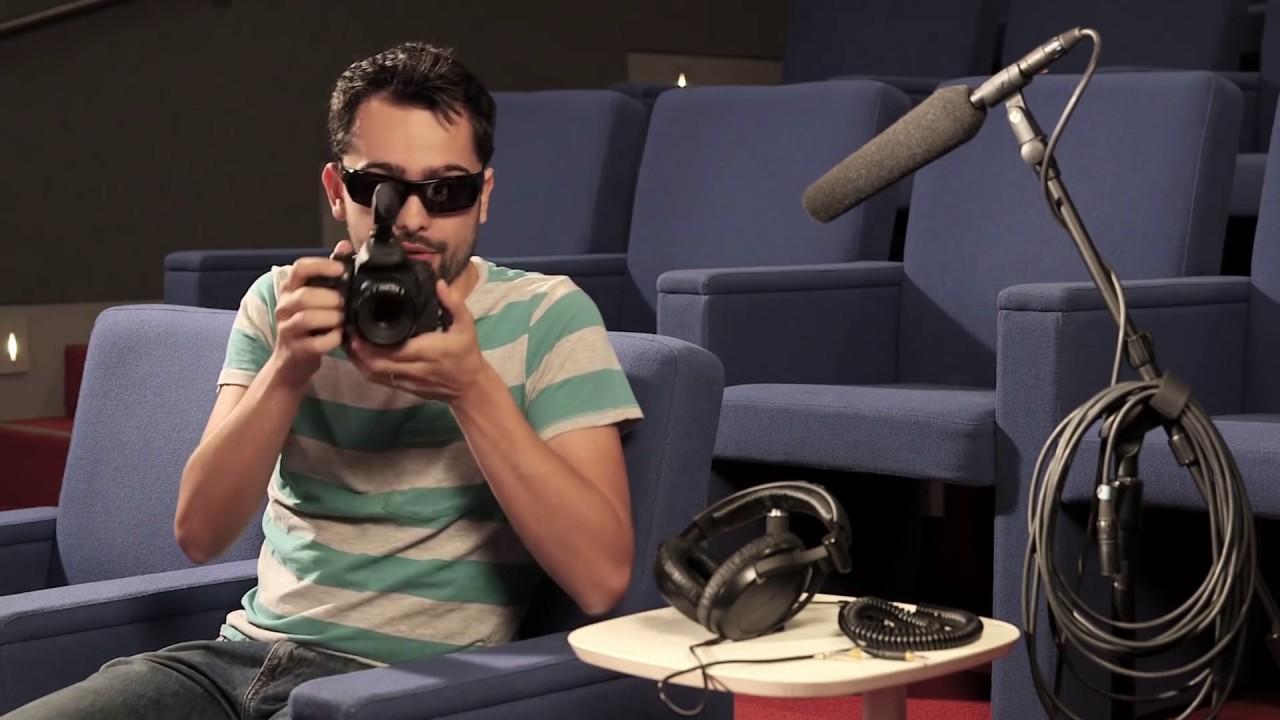 ใช้เอฟเฟ็กต์เสียงที่มีคุณภาพ (ร่วมกับ Mystery Guitar Man) - Joe Penna, aka Mystery Guitar Man, explains some basic strategies for good sound that can take your channel from amateur to professional.