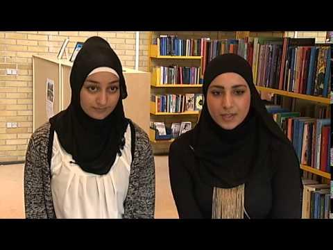 Tørklæde-piger: Jamen vi har da religionsfrihed i Danmark - DR Nyheder