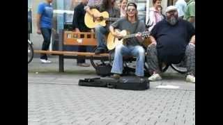 Strassenmusiker covern Iggy Pop (Passenger)