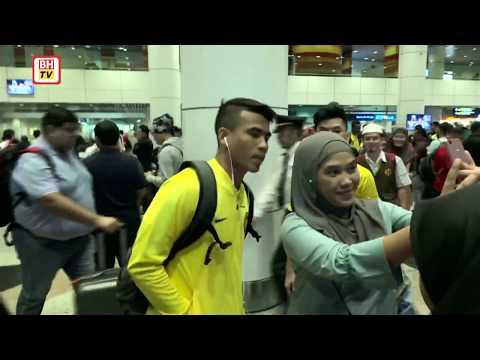 Pasukan bola sepak negara tiba di KLIA