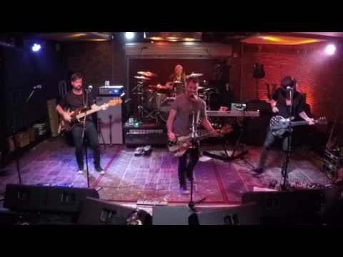 ac/dc---beating-around-the-bush-(cover)-at-soundcheck-live-/-lucky-strike-live