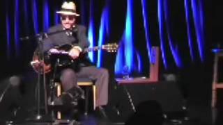 Leon Redbone chat and song