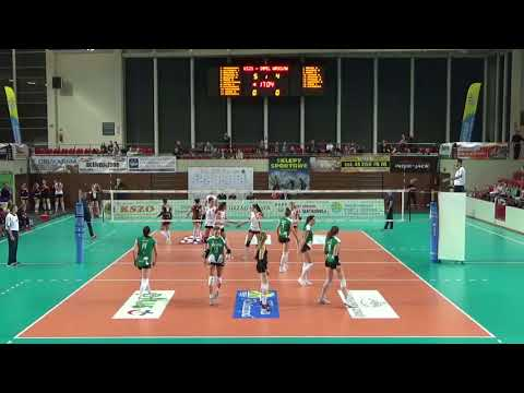 Iga Chojnacka MIDDLE BLOCKER Polish League 2017-2018 nr 19 green shirt