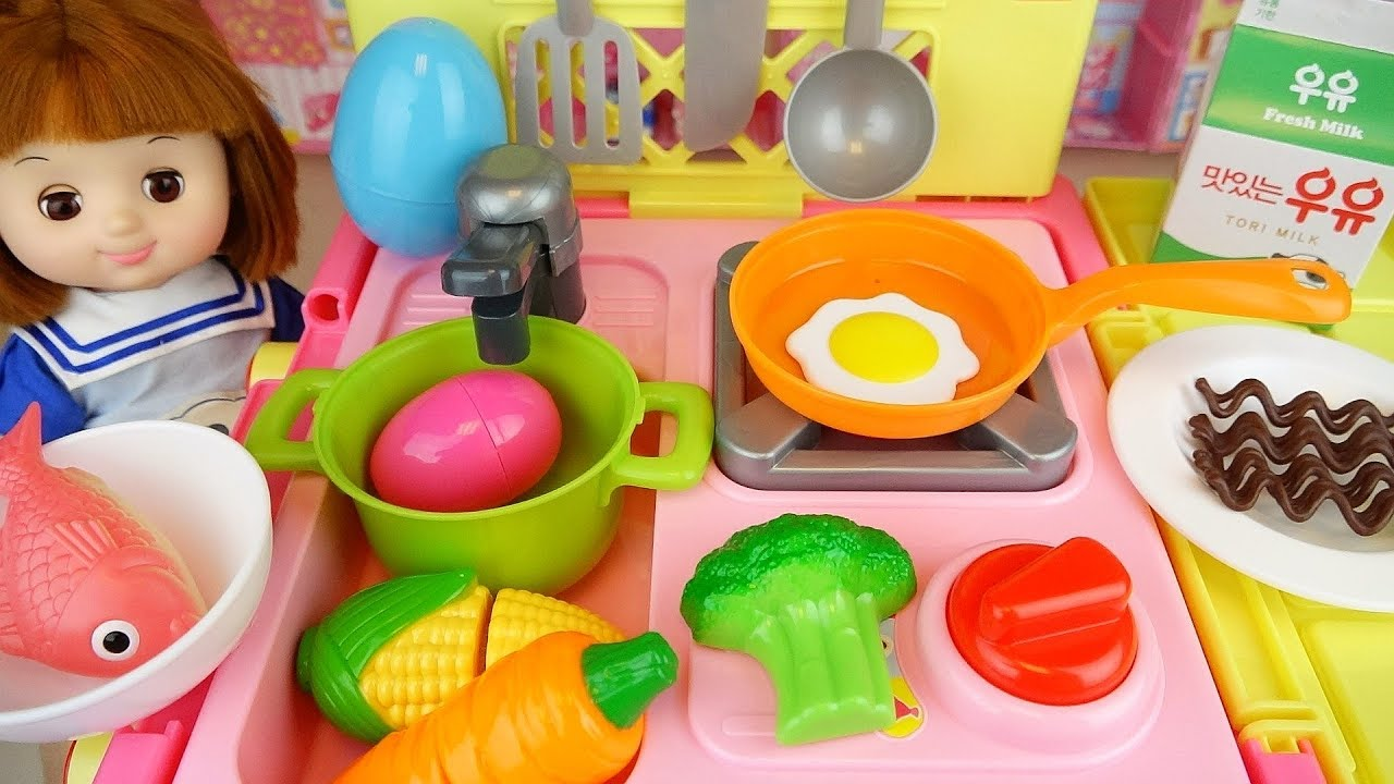 Baby doll kitchen food cooking surprise egg play baby Doli house
