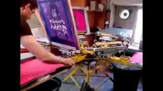 видео Шелкотрафаретная печать на тканях