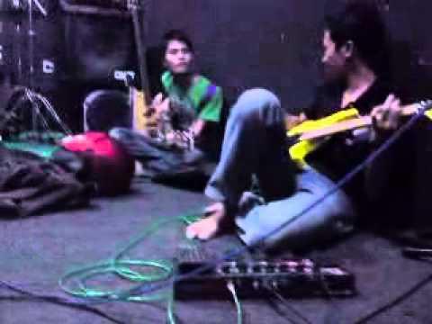 TAK ADA LAGI COVER GARASI by UNDEROID BAND Feat FIDA D't3rong