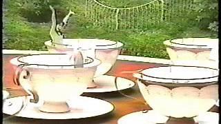 Rare video of ex-Japanese Actress, Sakurai Sachiko, singing her deb...