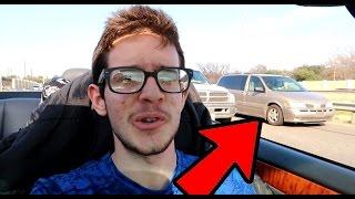 امريكان اول مرة يشوفون محجبات داخل سيارة كشف وسبحنا باكبر مسبح بامريكا !!!