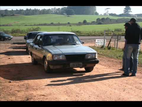Encontro De Carros Antigos.apoio Velhos Club