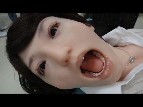 Dental Mannequins Are Terrifying