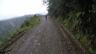 Death road in Bolivia touring④【南米】ボリビア・デスロード(ユンガス道)マウンテンバイクツアー thumbnail