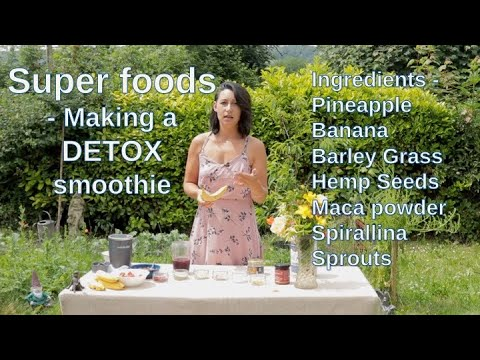 How to make a detox smoothie – Superfoods, maca powder, hemp seeds, collagen, rose hips, sprouts