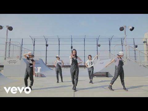 Dancing Dolls - Monochrome