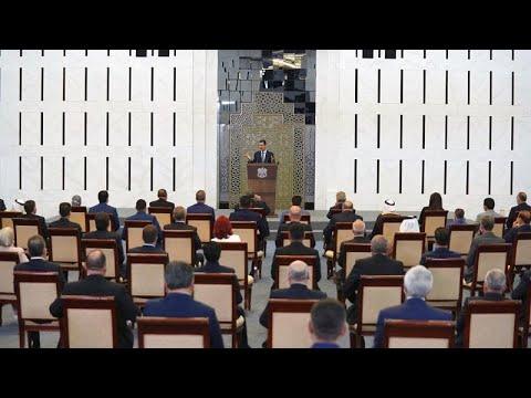 شاهد: الأسد يصاب بوعكة صحية خلال كلمة أمام مجلس الشعب  - نشر قبل 1 ساعة
