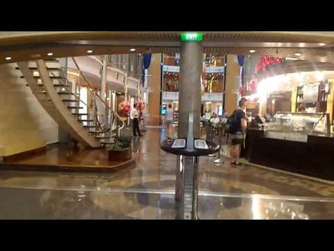 Deck#5 Mariner, the promenade shopping mall