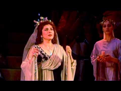 Anahit Mekhitarian - Bellini, Norma, Casta Diva... Ah! Bello A Me Ritorna