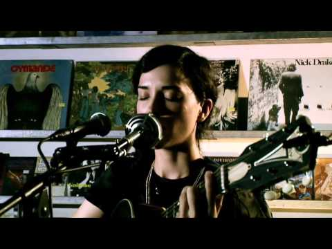 ST. VINCENT - (Other Music Session) 2007