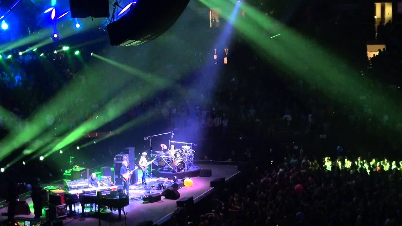Phish - Wolfmans Brother~Little Drummer Boy~Wolfmans - 12/28/12 - MSG