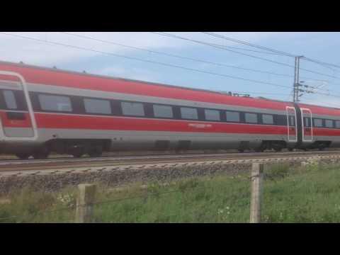 Frecciarossa 1000 sulla linea av Milano Torino presso Villarboit VC a 300 km/h.