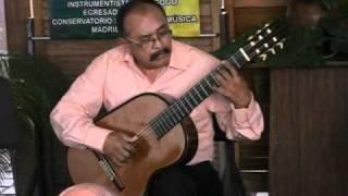 """Dario Gonzalez interpreta """"Lagrimas"""""""