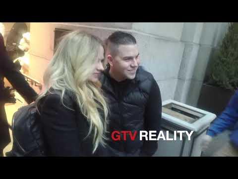 Avril Lavigne signs autographs for GTV Reality autograph shop