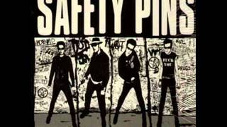 Safety pins - Plastic punks
