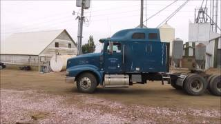 2000 International 9400 Eagle semi truck for sale   sold at auction October 22, 2014
