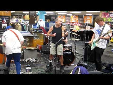 Rackets and Chris Knox on Record Store Day