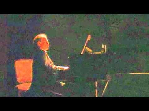 Giuseppe Maggiolo Novella plays BACH WTC prelude 1