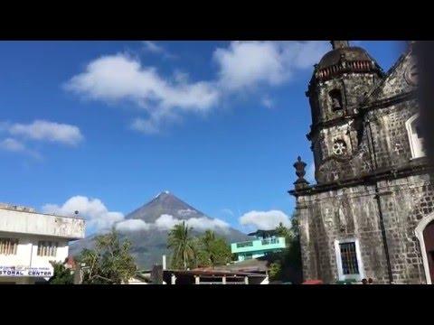 Mayon Volcano at Santo Domingo Church