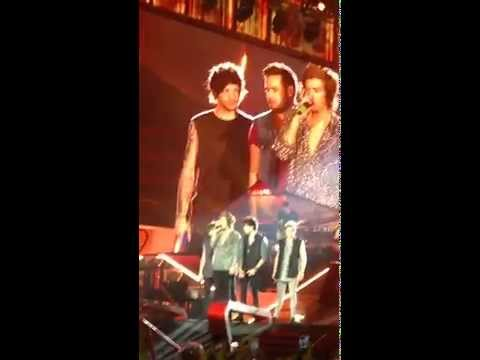 One Direction - What Makes You Beautiful - San Siro...