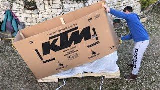 Video KTM 250 exc six days 2017 - Montage et Premier démarrage download MP3, 3GP, MP4, WEBM, AVI, FLV November 2018