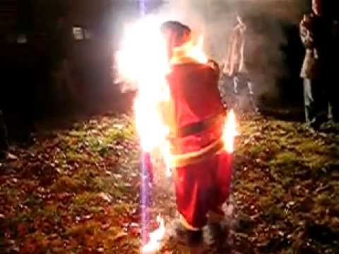 Dancing Santa Catches on Fire - YouTube