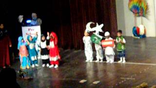 hum zinda qaum hain---mirha performance at School function.AVI
