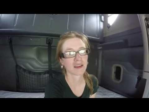 A Bosslady Tour - 2015 Freightliner Cascadia Sleeper Interior - Sheldon
