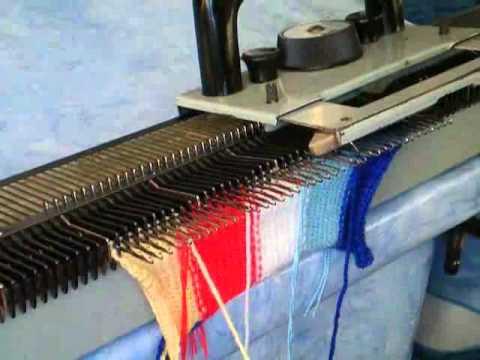 Вязание вертикальных полос на вязальной машине Нева-2