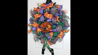 How to make a Poof with ruffle witch wreath from Etsy Kit