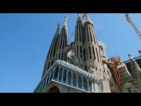 Barcelona City Guide by Metro to Sagrada Familia, Doris Visits save time and money