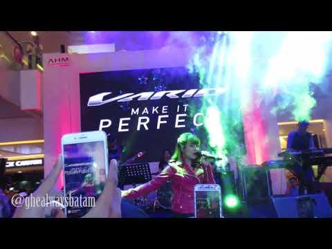 Ghea Indrawari - Kangen (Dewa 19 | LIVE @ Mega Mall BATAM