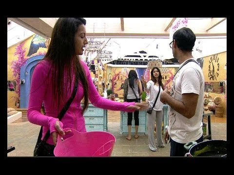 Bigg Boss 7: Gauahar v/s Tanisha again